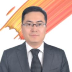 <b>盛雪锋</b><i>上海智慧城市发展研究院院长</i>