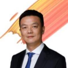 <b>吴辉</b><i>华为中国政企业务总裁</i>