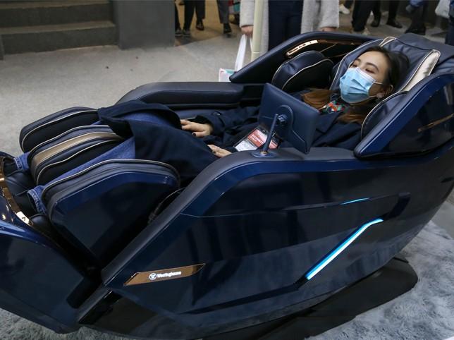 刚柔并济气囊3D机械手 西屋S600按摩椅现场评测