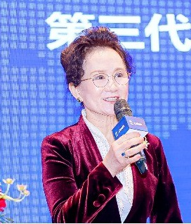 <b><i>理事长-吴玲</i>第三代半导体技术创新联盟</b>第三代半导体产业发展思考
