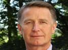IDC 咨询公司全球高级副总裁Vernon Turner
