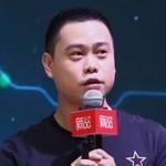 胡震宇 <span> 坚果智能家庭影院创始人<br/>董事长 </span>