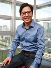 京东集团首席技术官<br/><span>张晨</span><i></i>