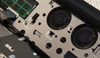 键盘底部与内部面板上有4处卡扣