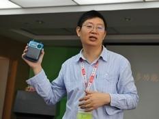 朗琴总经理张义春讲解新品特点