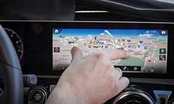 奔驰发布全新触控交互系统