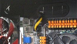 将8PIN电源供电线安装好