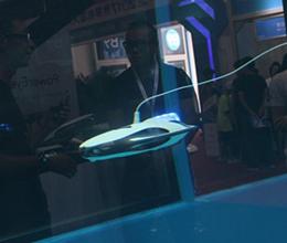 """功能强大的""""潜艇"""" 臻迪科技水下机器人"""