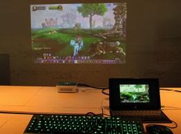 电脑与投影屏幕对比