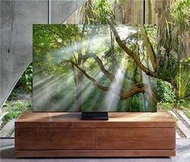 三星Q950TS QLED无边框8K电视亮相