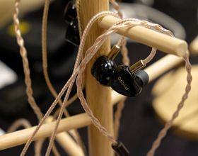 老人家音频带来新款耳塞