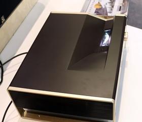艾洛维激光电视V7