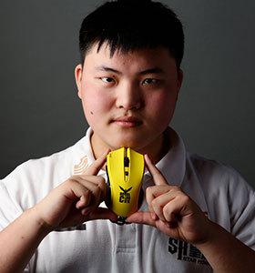 皇族战队ADC选手Uzi