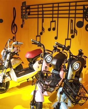天津电动车展会 绿能展区时尚元素爆棚