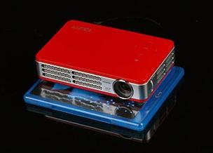 Wi-Fi+红装 丽讯Qumi Q5高清微投首测