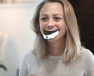 这块神奇海绵刷牙只需6秒
