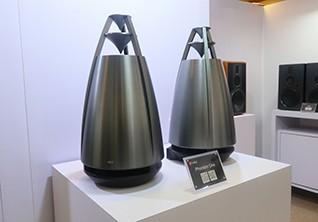 惠威多款新品展出 带来极致影音体验