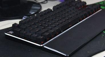 迪摩贪狼刀锋机械键盘美图
