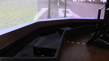 教育装备展: 中航国画推出训练模拟器