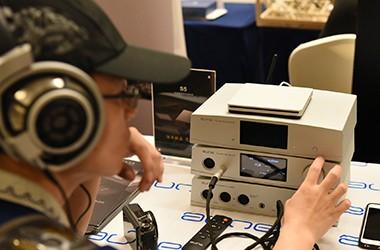 奥莱尔X1s十周年版一体机亮相
