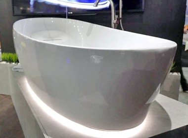 <em>4</em>12万元的TOTO漂浮浴缸