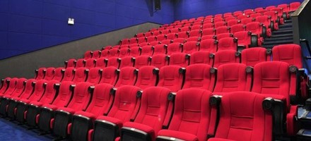 影院即将遭淘汰?大屏观影有了新选择
