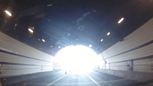 GARMIN记录仪出隧道动态拍摄效果