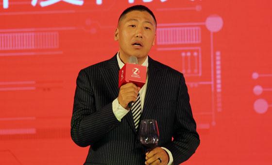 <br>见证行业发展  推动产业共同进步<br/> <span>刘小东先生</span><br/> <em>中关村在线总裁</em>