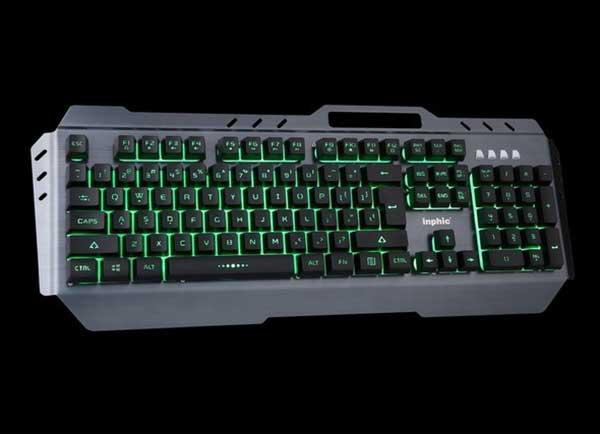 吃鸡也要靠装备 英菲克V680游戏键盘
